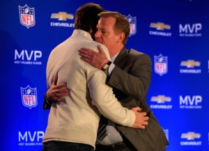NFL Commissioner Roger Goodell and Tom Brady scrimmage off the field in mediation today in Manhattan federal court. (Photo: AP)