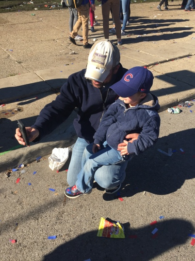 A dad shares historic moment with his son. (Photo: @exavierpope)